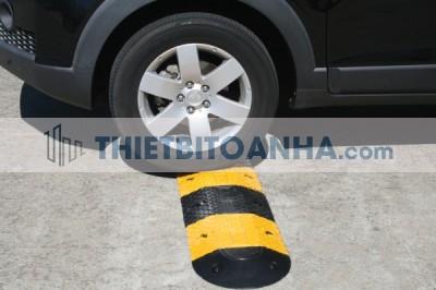 Gờ giảo tốc cao su cho ô tô