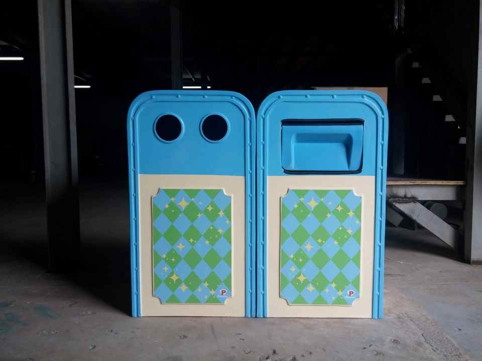 Thùng rác composite phân loại rác 2 ngăn