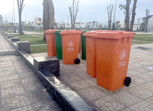 Thùng rác nhựa 240 lít có nắp đậy ngăn mùi rác thải